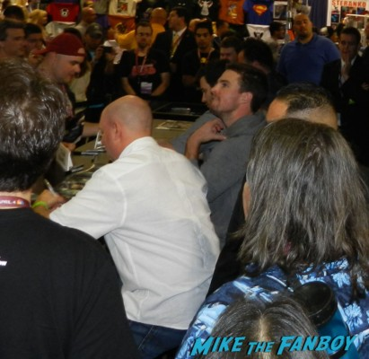 arrow autograph signing with stephen amell hot sexy rare promo sexy wondercon 2013 cosplay costumes convention floor rare 038arrow autograph signing with stephen amell hot sexy rare promo sexy wondercon 2013 cosplay costumes convention floor rare 038