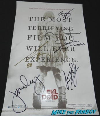 the evil dead cast signed autograph mini poster bruce campbell wondercon 2013 cosplay costumes convention floor rare 060