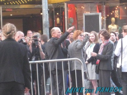 ed harris arriving at the pain and gain movie premiere with marky mark wahlberg signed autograph rare promo hot
