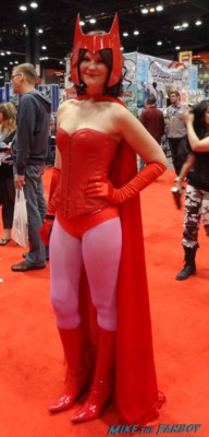 c2e2 cosplayers 2013 scarlet witch the avengers 2 cosplayed costume rare promo