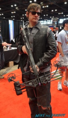 c2e2 cosplayers 2013 daryl dixon norman reedus hot rare promo the walking dead