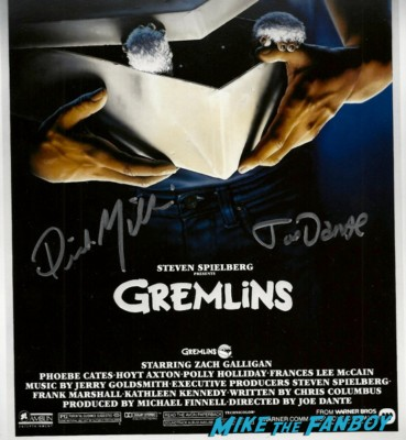 dick miller joe dante signed Gremlins autograph movie poster rare dick miller signing autographs for fans Days Of The Dead 2013! horror and sci fi convention rare promo hot rare