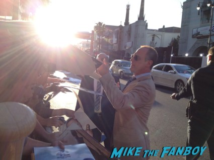 Christopher Meloni signing autographs for fans hot sexy 42 wold movie premiere rare true blood star hot