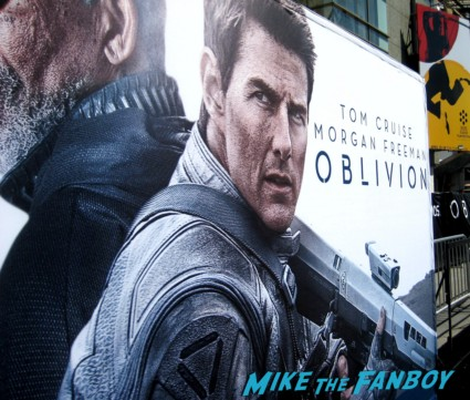 Oblivion Movie Premiere red carpet promo! Tom Cruise! Morgan Freeman! Joseph Kosinski! Coolness!