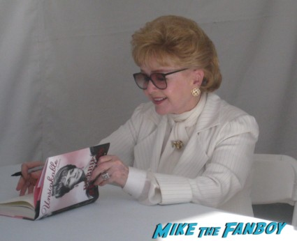 debbie reynolds signing autographs for fans rare los angeles times festival of books rare promo