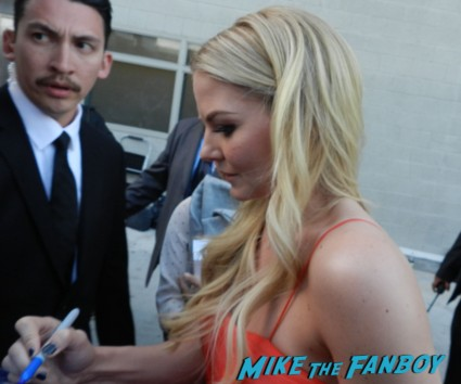 Jennifer morrison hot sexy signing autographs for fans once upon a time emma swan warrior rare sex