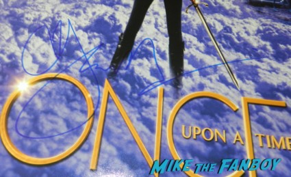 Jennifer morrison signed autograph once upon a time poster season 2 hot sexy signing autographs for fans once upon a time emma swan warrior rare sex Jennifer morrison new order signing autographs for fans 039