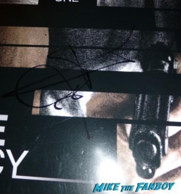 Jeremy Renner signed poster  signing autographs for fans fan photo signing autographs for fans