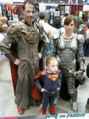 c2e2 cosplayers 2013 man os steel family rare prom superman little boy hot