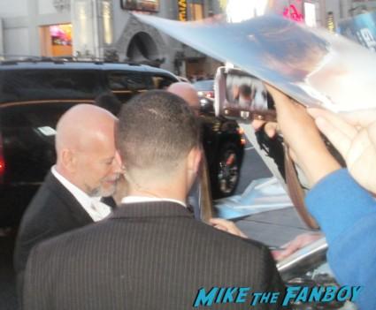 Bruce Willis Signing Autographs at the G.I. Joe retaliation movie premiere hot sex rare promo