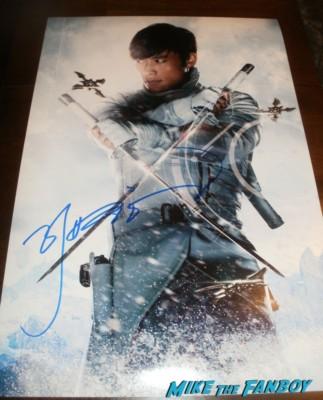 Byung-hun Lee Signing Autographs at the G.I. Joe retaliation movie premiere hot sex rare promo