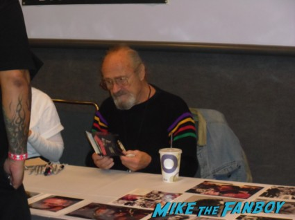 dick miller signing autographs for fans Days Of The Dead 2013! horror and sci fi convention rare promo hot rare