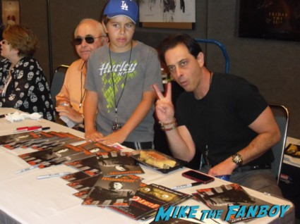 signing autographs at days of the dead convention rare promo los angeles convention center