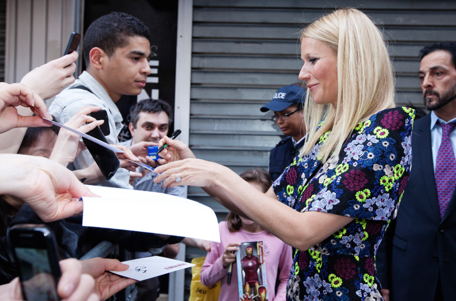Gwyneth Paltrow signing autographs for fans at the  Iron Man 3 world premiere Paris France rare red carpet photo iron man tony stark