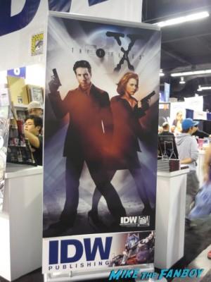 X-Files Comic IDW IDW Booth X-Files Comic Banner wondercon 2013 rare