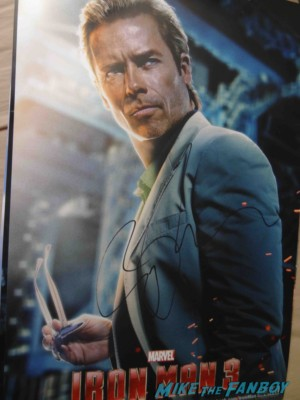 guy pierce signed autograph rare signing autographs at the Iron Man 3 world movie premiere el capitan theater rare robert downey jr. rare promo