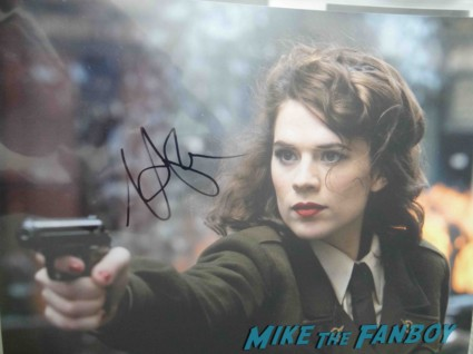 hayley swell signing autographs at the Iron Man 3 world movie premiere el capitan theater rare robert downey jr. rare promo