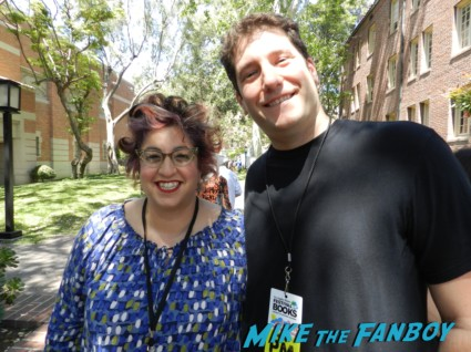 Jenji Kohan weeds creator fan photo rare mike the fanboy signing autographs for fans festival of books 2013 debbie reynolds 018