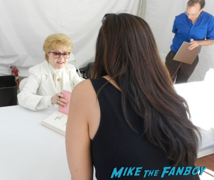 debbie reynolds signing autographs for fans rare los angeles times festival of books rare promo festival of books 2013 debbie reynolds 046