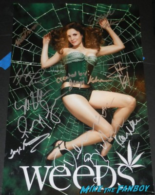 Jenji Kohan  weeds creator fan photo weeds season 5 autograph promo poster mary louise parker elizabeth perkins tonye pateo romany malco  rare mike the fanboy signing autographs for fans festival of books 2013 debbie reynolds 018festival of books 2013 debbie reynolds 060