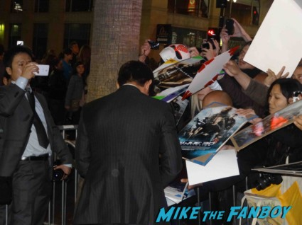 d.j. cotrona signing autographs at the  g.i. joe retaliation movie premiere report red carpet rare promo bruce willis red carpet the rock