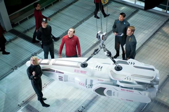 simon pegg star trek into darkness rare promo photo still poster rare hr_Star_Trek_Into_Darkness_23-550x366