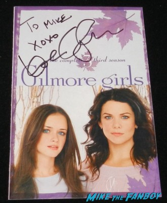 lauren graham signed autograph gilmore girls dvd cover rare fan photo signing autographs for fans gilmore girls rare promo hot sexy Lorelai Gilmore parenthood