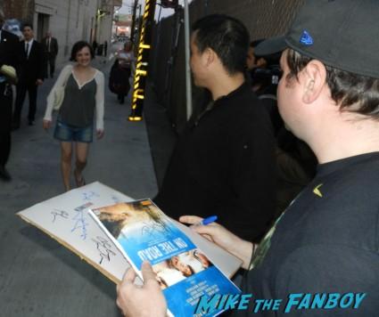 elisabeth moss signing autographs for fans mad men rare promo hot peggy jimmy kimmel live