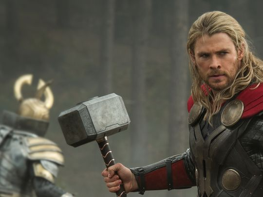 chris hemsworth Thor: The Dark world press promo photo still hot rare sexy norse god hot