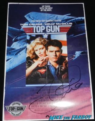 tom cruise signed autograph top gun promo mini poster rare hot sexy tom cruise signing autographs kesha hot sexy rare fan photo 023