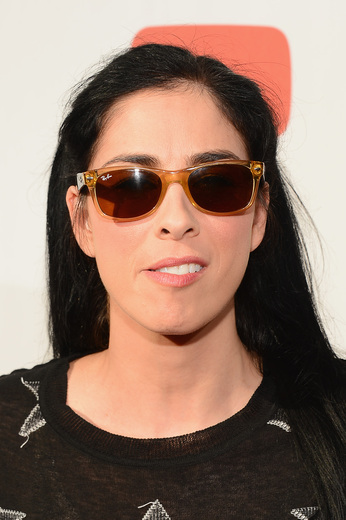 "sarah silverman on the red carpet at the YouTube Comedy Week ""The Big Live Comedy Show"" Photo Gallery! Ryan Phillippe! Andy Samberg! Seth Rogan! Sarah Silverman! Jack McBrayer! Jeff Ross! Vince Vaughn! Tim & Eric! And More!"