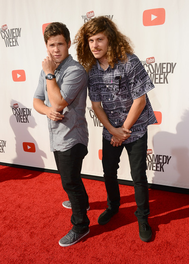 "workaholics cast on the red carpet at the YouTube Comedy Week ""The Big Live Comedy Show"" Photo Gallery! Ryan Phillippe! Andy Samberg! Seth Rogan! Sarah Silverman! Jack McBrayer! Jeff Ross! Vince Vaughn! Tim & Eric! And More!"