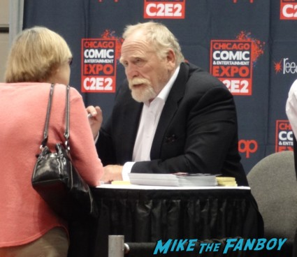 james cosmo signing autographs at the Chicago Comic and entertainment expo c2e2 banner logo rare