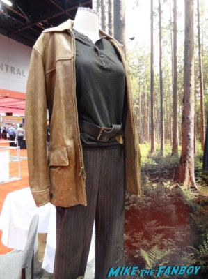 The Hunger Games Costumes and props katniss everdeen at the Chicago Comic and entertainment expo c2e2 banner logo rare