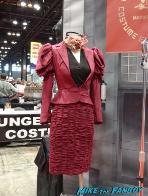 effie trinket costume prop The Hunger Games Costumes and props katniss everdeen at the Chicago Comic and entertainment expo c2e2 banner logo rare
