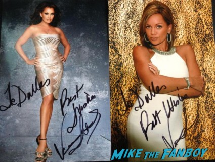Vanessa Williams signed autograph photo rare hot sexy singer photo shoot