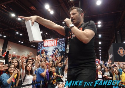 Marvel booth giveaways at Chicago Comic and entertainment expo c2e2 banner logo rare