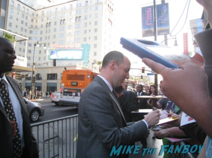 tony hale buster bluth signing autographs at the Arrested_Development_premiere