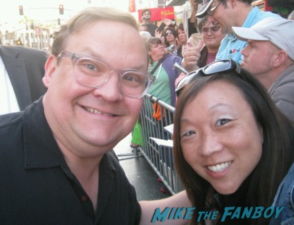 stephen root signing autographs at the Arrested_Development_premiere
