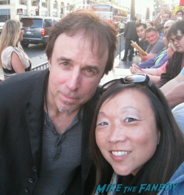 kevin Nealon signing autographs at the Arrested_Development_premiere