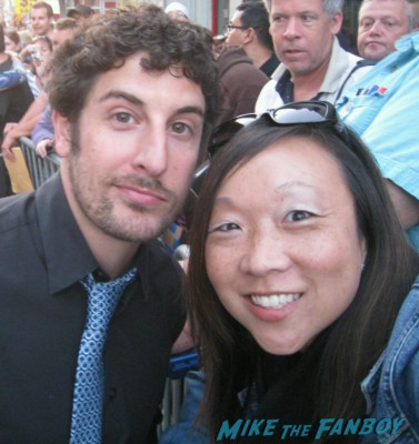 jason biggs signing autographs at the Arrested_Development_premiere