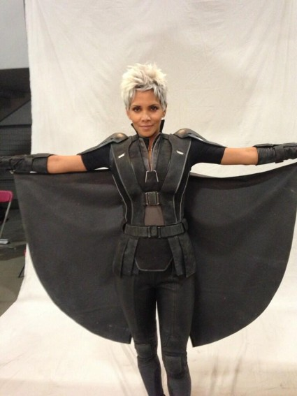 halle berry storm x men days of future past behind the scenes still rare promo hugh-jackman-la-5-1-13 x men days of future past behind the scenes rare Bryan Singer and Ian McKellen joined Patrick Stewart and went to the White House correspondents dinner