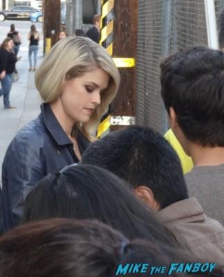 Alice eve signing autographs for fans star trek into darkness carol markus hot sexy star meet