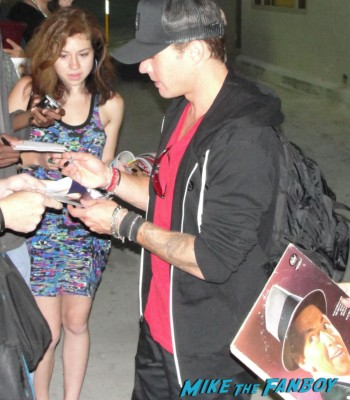 Ryan Phillippe signing autographs for fans hot sexy rare photo shoot sex