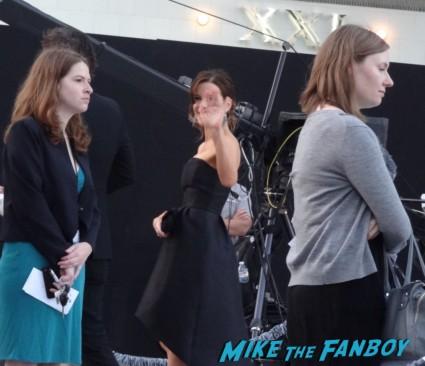 kate beckinsale at star trek into darkness movie premiere signing autographs chris 017