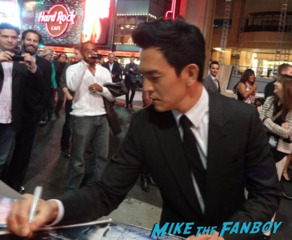John Cho signing autographs star trek into darkness movie premiere signing autographs chris 128