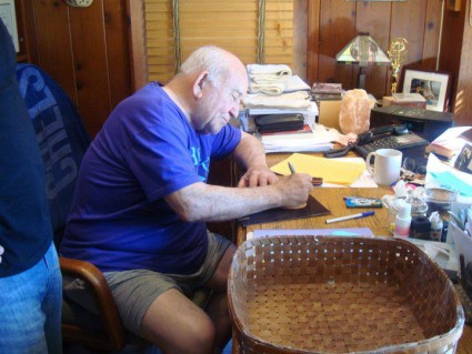 Ed Asner signing autographs for fans fanmail address