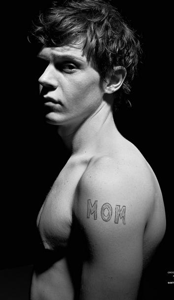 Evan peters shirtless hot naked photo