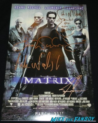 keanu reeves signature autograph signed hand signed promo the matrix movie poster Keanu Reeves signing autographs for fans the matrix star hot sex 008
