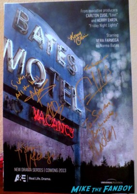 Bates Motel signed autograph cast poster rare promo hot vera farmiga freddie highmore